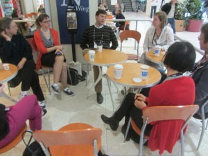 Museum bloggers converse over morning coffee at AAM 2014.